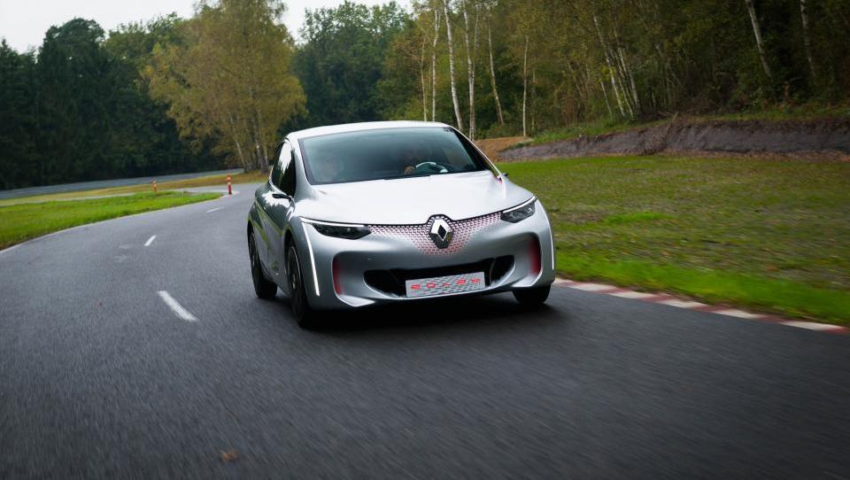 Futuristični zmenek z avtomobilsko prihodnostjo