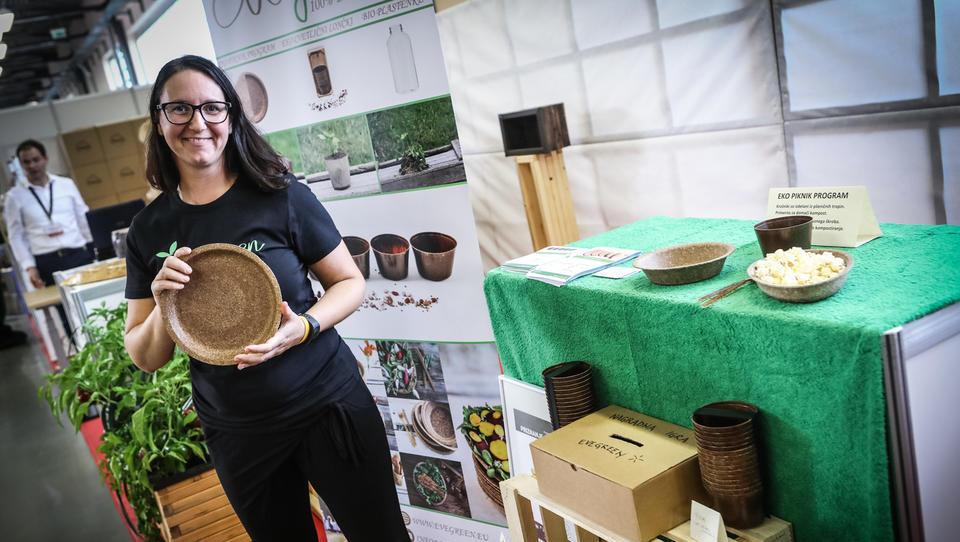 Najpodjetniška ideja: Evegreen ne cveti več le z ekolončki, ampak uspeva tudi z biogranulati za industrijo