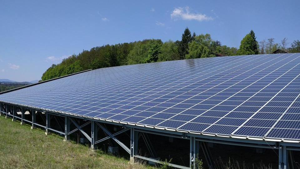 Zelene elektrike je letos več kot lani, subvencij zanjo pa manj