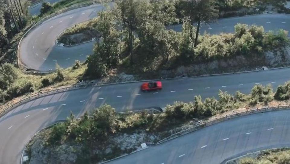 Video: Ferrari, ki je v svet popeljal lepote Slovenije