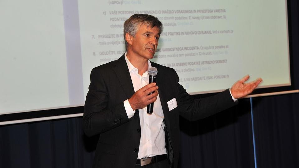 Kako si lahko pri digitalizaciji podjetja pomagamo s sistemom kakovosti