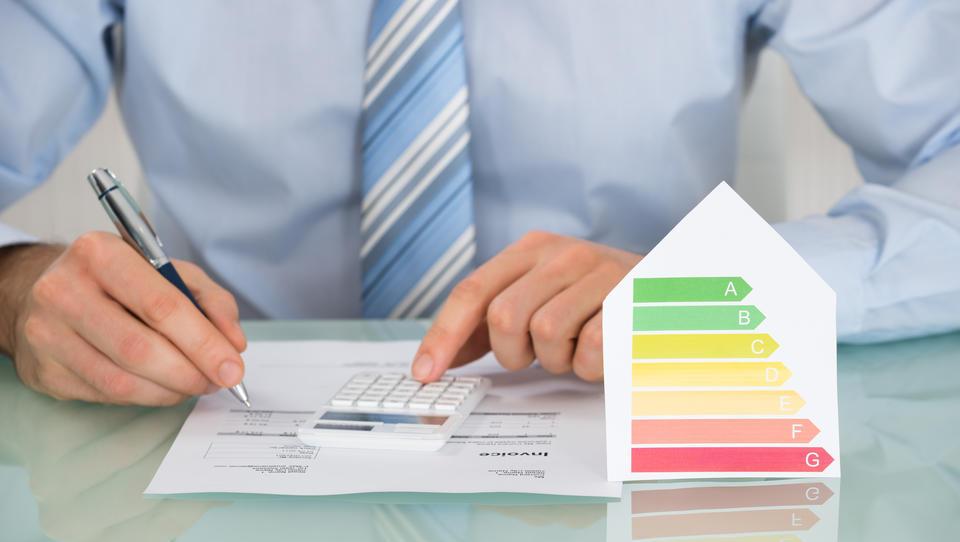 Zmanjšajte ogljični odtis in hkrati stroške podjetja