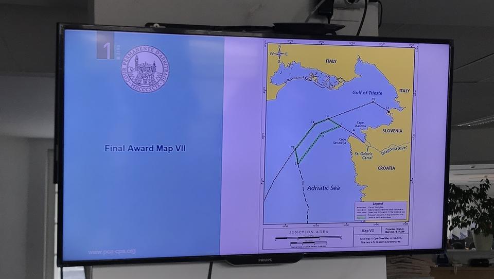 Po izreku arbitražne sodbe: Tri četrtine Piranskega zaliva in dostop do odprtega morja Sloveniji