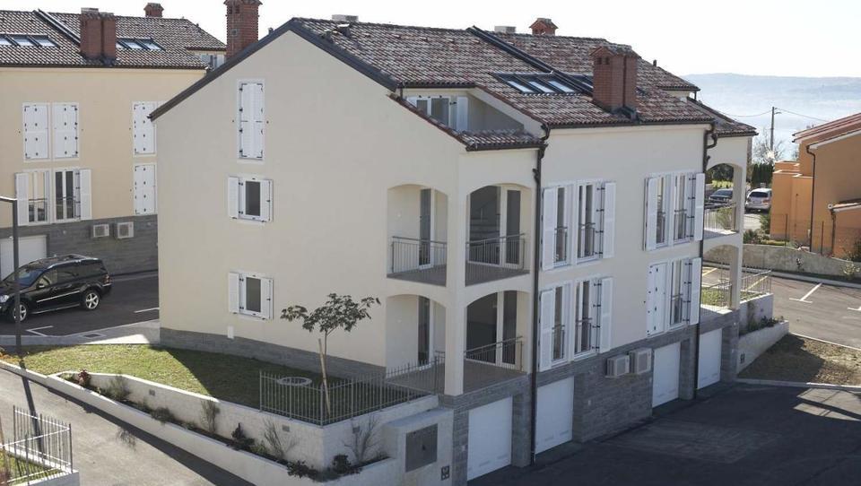 Na dražbo deset stanovanj v soseski Brnistra nad Ankaranom