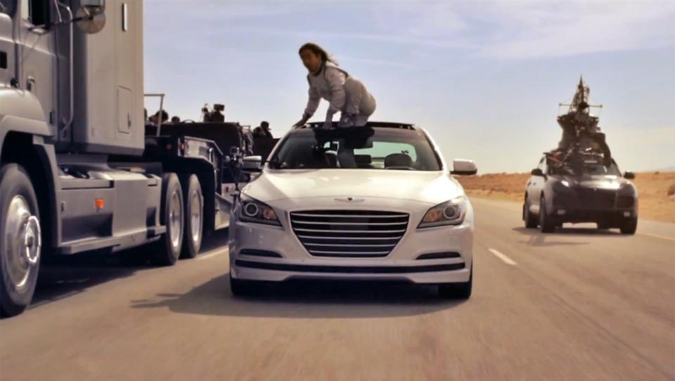 (video) Šesterica luksuznih hyundaijev po puščavi brez voznikov