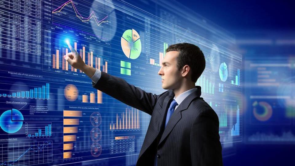 Podjetja bodo letos nadaljevala naložbe v IKT, rast bodo poganjale nove tehnologije