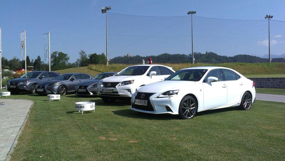 Hibridni šport najavil prihod novega Lexusa
