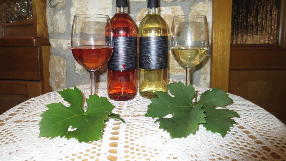 Grozdni sok tajfl tržijo kot prestižno vino