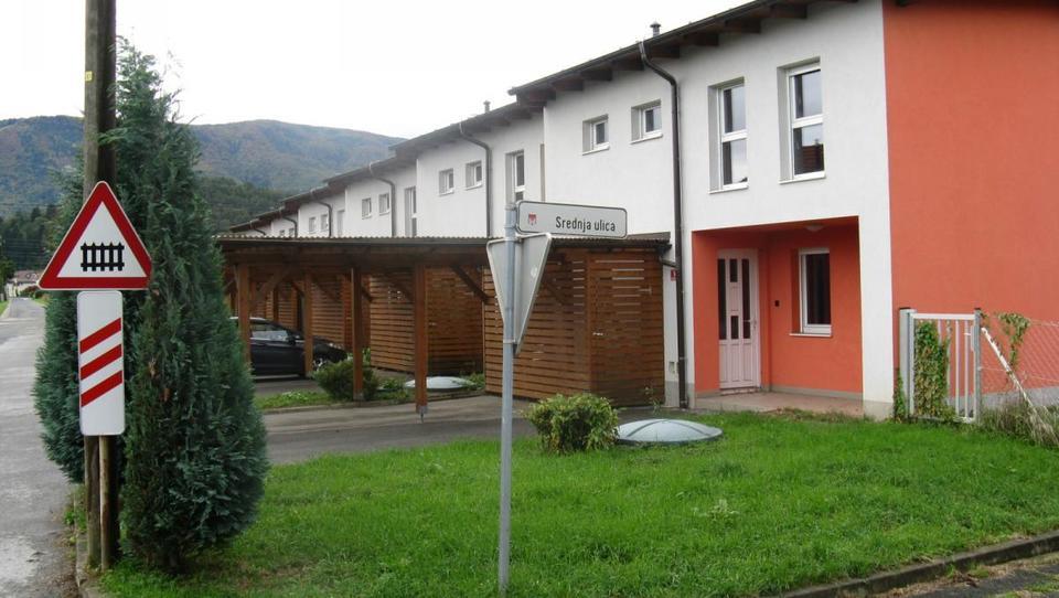 TOP dražbe: Hiše v Limbušu, apartmaji na Gorenjskem in Primorskem, pisarne,...