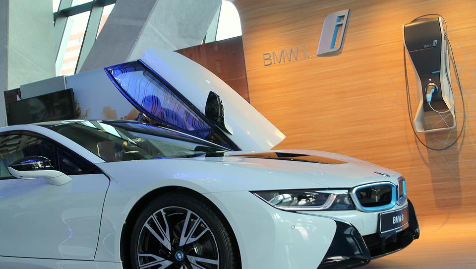 BMW bo širil novo družino i
