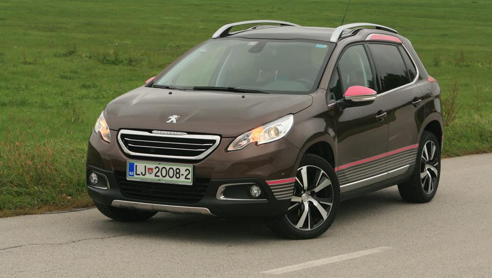 Peugeot 2008: že prvi je zelo dober