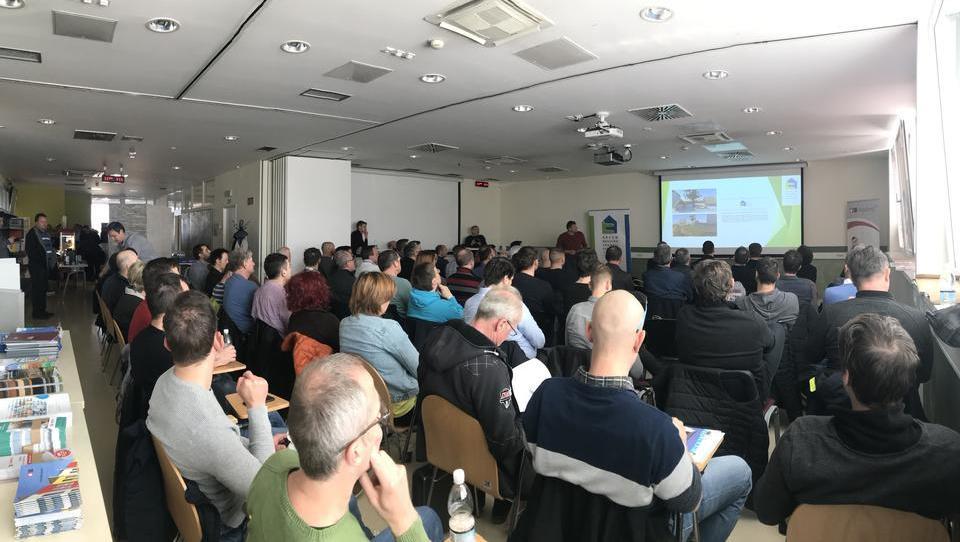 JUB in GBC Slovenija v Dolu pri Ljubljani gostila upravnike večstanovanjskih objektov iz vse Slovenije