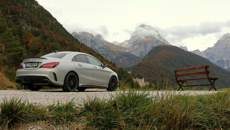 Z malim AMG po spektakularnih gorskih cestah