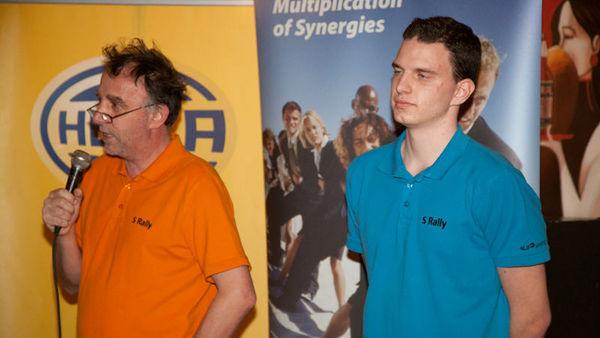 Slovenca ciljata proti vrhu električno-ekološke dirke