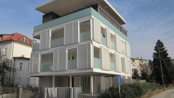 Naprodaj Kramljakova štiristanovanjska stavba na Viču