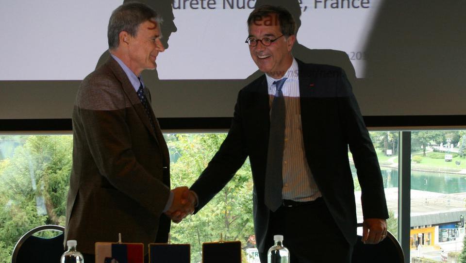 Tesnejše francosko-slovensko sodelovanje pri jedrski varnosti
