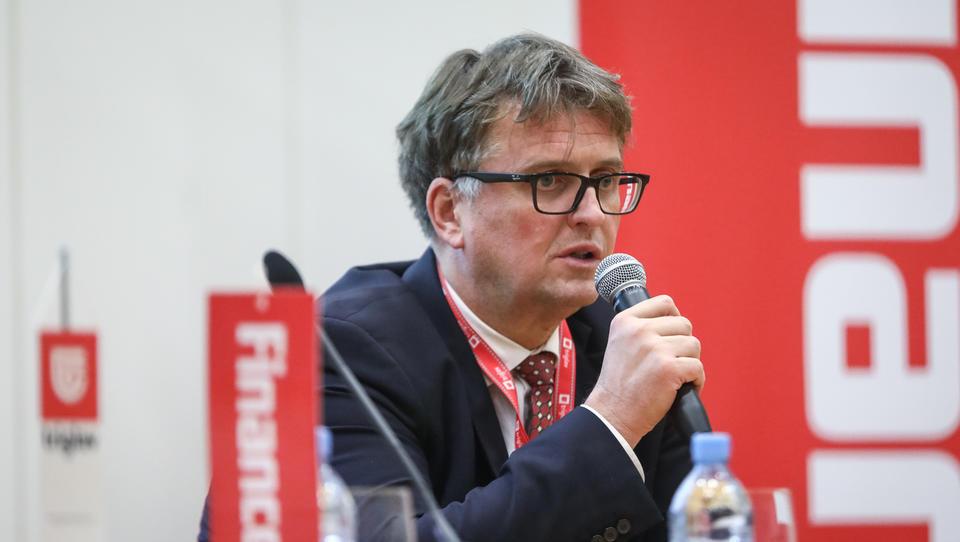 (Gorenjski forum) Jaka Vadnjal, Lon: Irski sklad namerava v celoti prevzeti Lon
