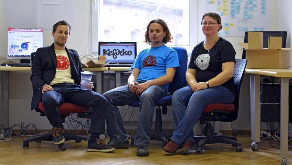 Na Kickstarterju do Kefirka
