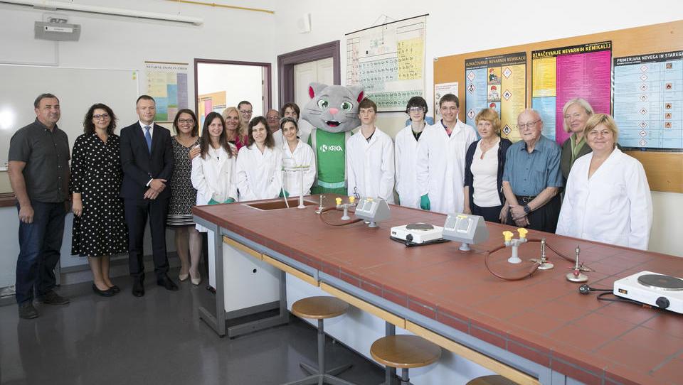 Tovarna zdravil Krka Novo mesto donirala sredstva za prenovo prostorov za pouk kemije na Gimnaziji Novo mesto