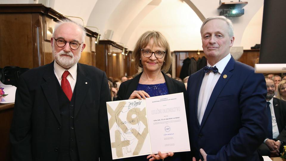 Lekovi raziskovalci prejemniki nagrade Prometej znanosti za odličnost v komuniciranju in naziva »zvezda« Slovenskega festivala znanosti