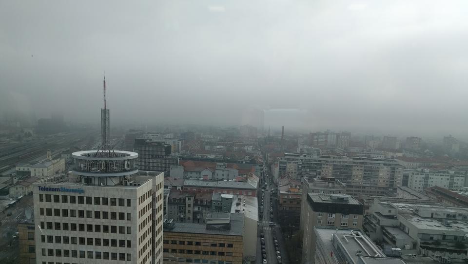 Tako umazanega zraka, kot je danes, na ARSO ne pomnijo