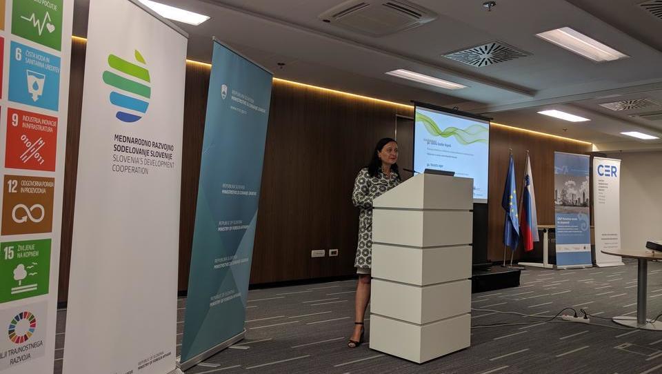 Kako EU vključuje zasebni sektor v odpravo energetske revščine v Afriki