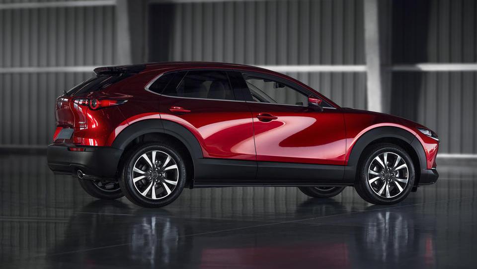 Mazda presenetila z novim SUV