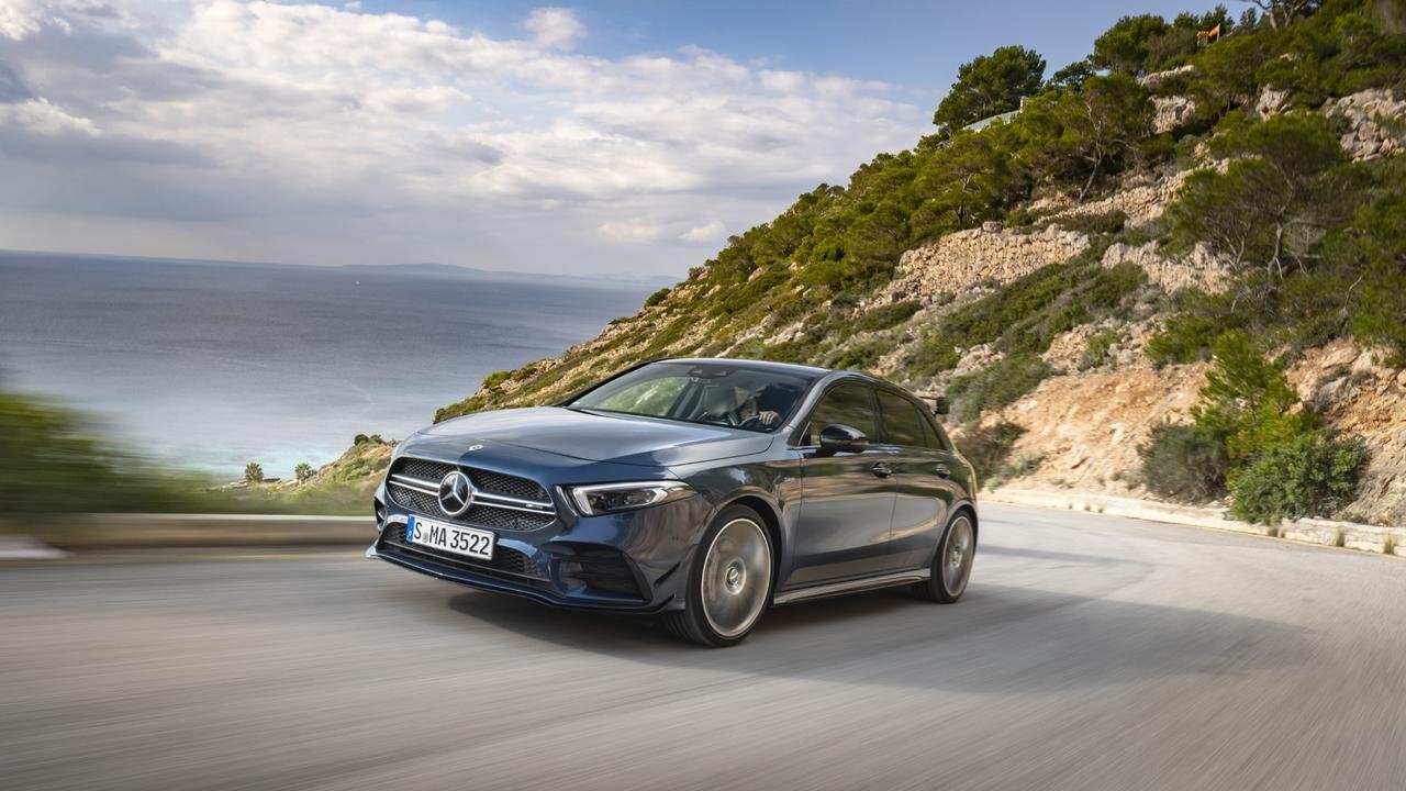 (Prva vožnja) Mercedes-AMG A 35 – poper, a v obvladljivih količinah
