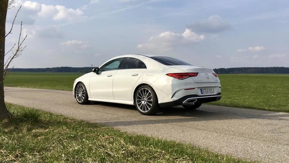 Mercedes, v katerem se bodo vozili tudi milenijci