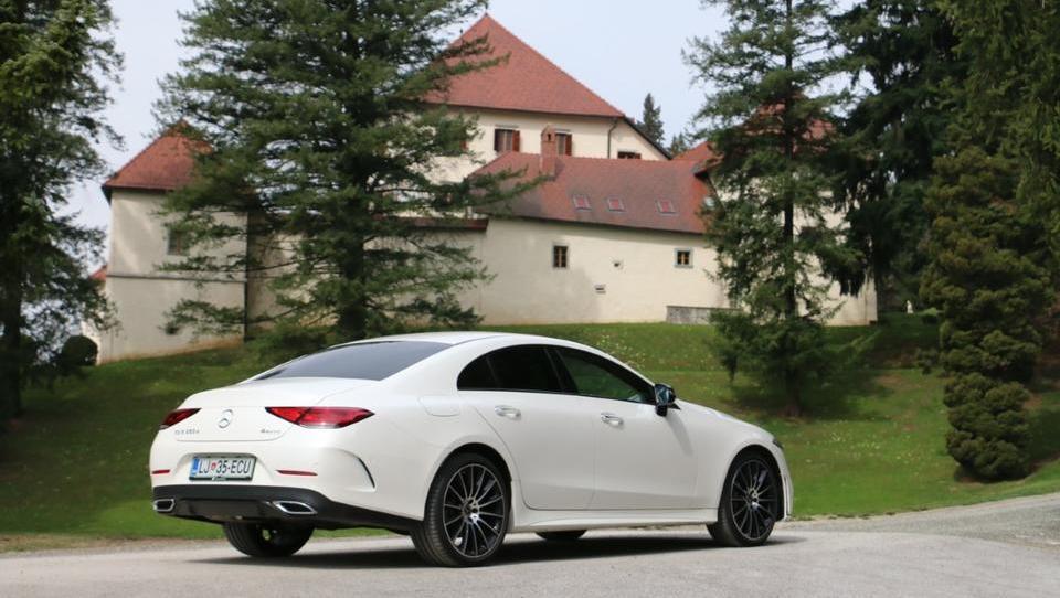 Najbolj priljubljena je bela barva avtomobila