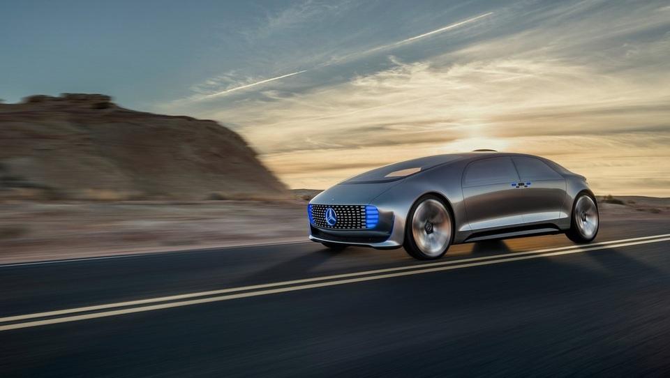 (video) Mercedes z eno nogo že v prihodnosti