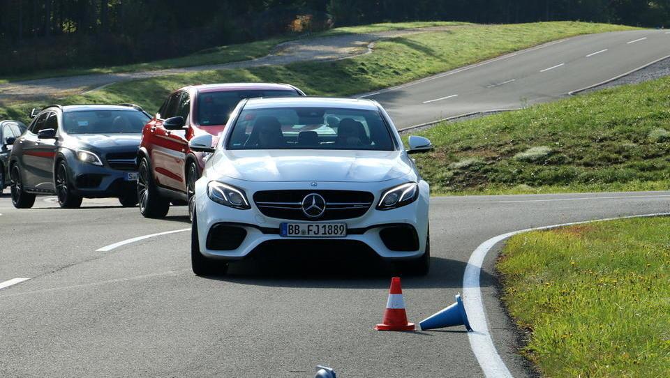 Cirkus tehnike in adrenalina v režiji Mercedes-Benza