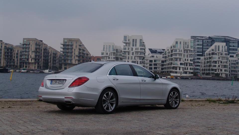 Mercedes po prodaji prehitel Audi