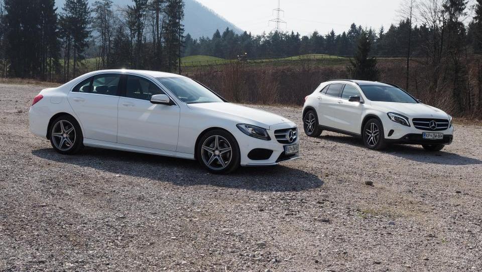 V kakšni formi sta Mercedes-Benzova novinca