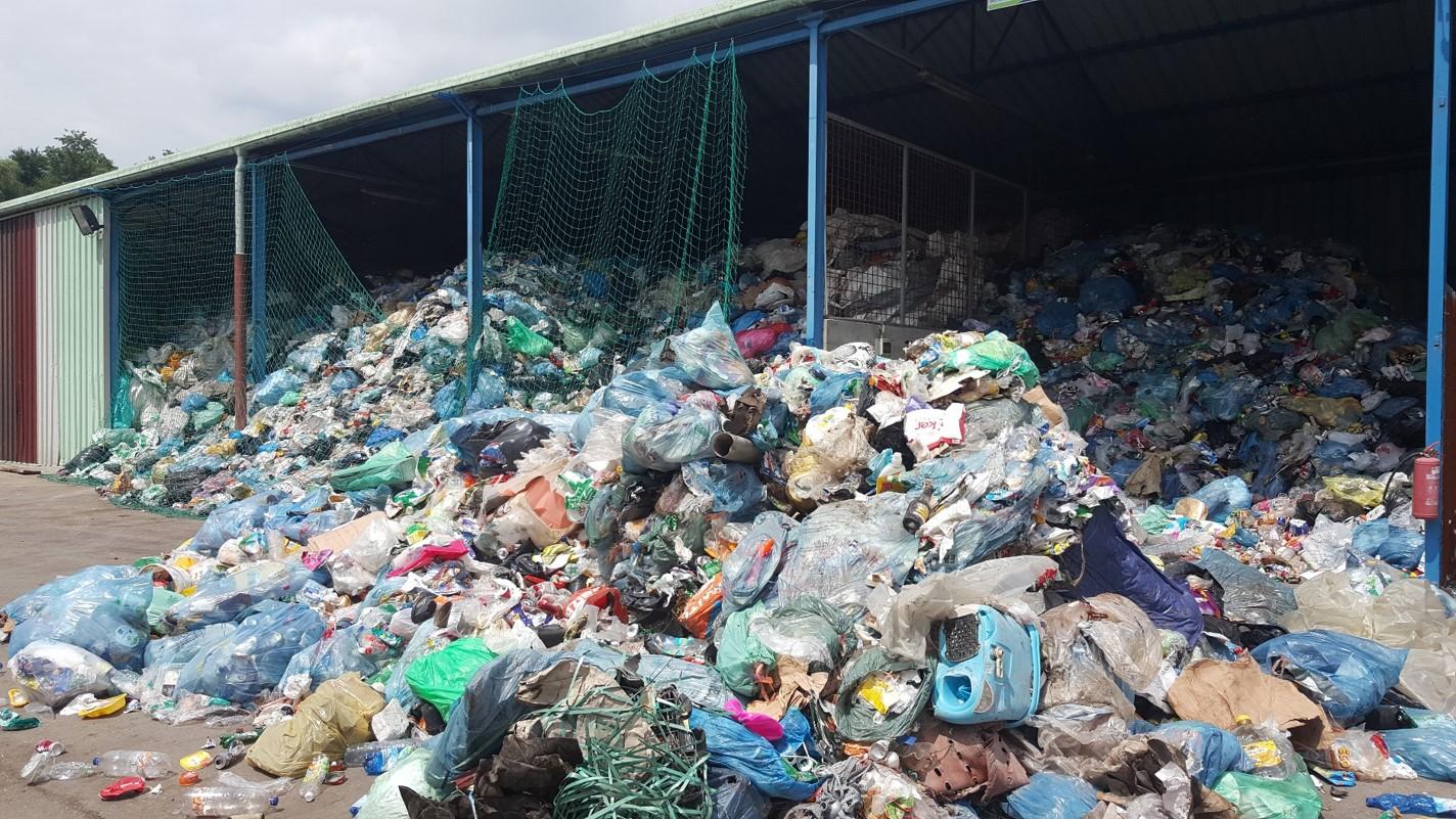 MOP pojasnjuje, zakaj težav z embalažo ne morejo rešiti preprosto