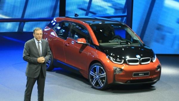 Šef BMW: Pri E-mobilnosti morajo svoj del sedaj izpolniti države
