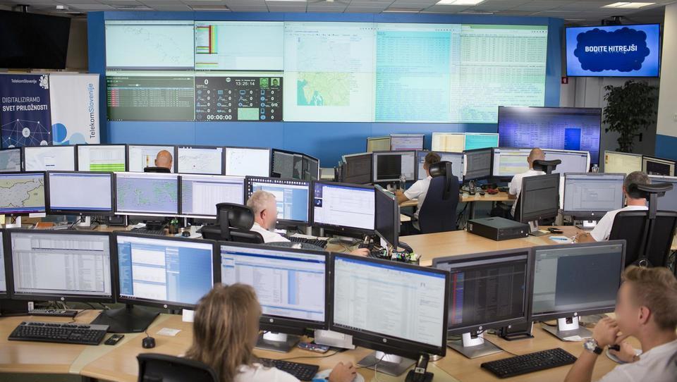 Obiskali smo Operativni center kibernetske varnosti Telekoma Slovenije