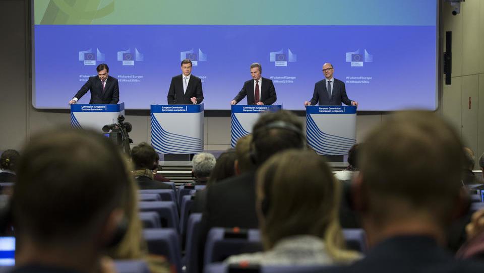 Bruselj predlaga: EU naj dobi evropski denarni sklad, ne pa evrskega proračuna