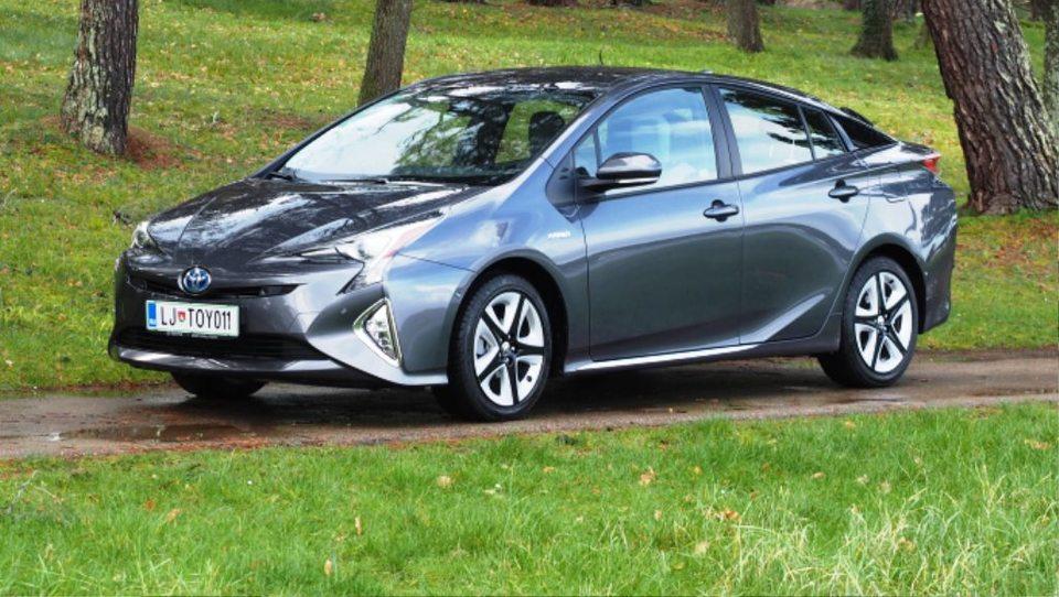 Toyota bo Uberjevim voznikom pomagala do dobička