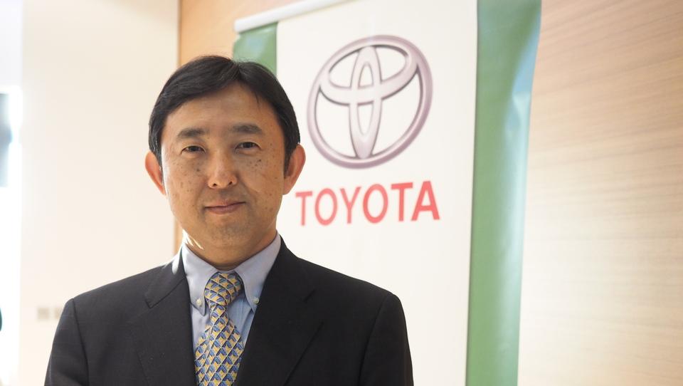 Novi predsednik Toyote s sončnih Karibov v sivo Slovenijo
