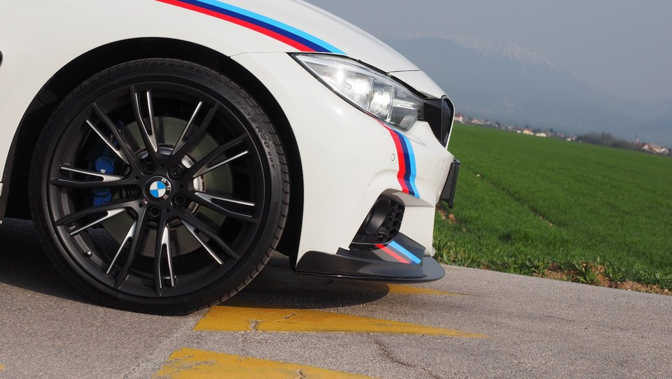 Ujel je stari BMW M3, predstavo ukradel M4