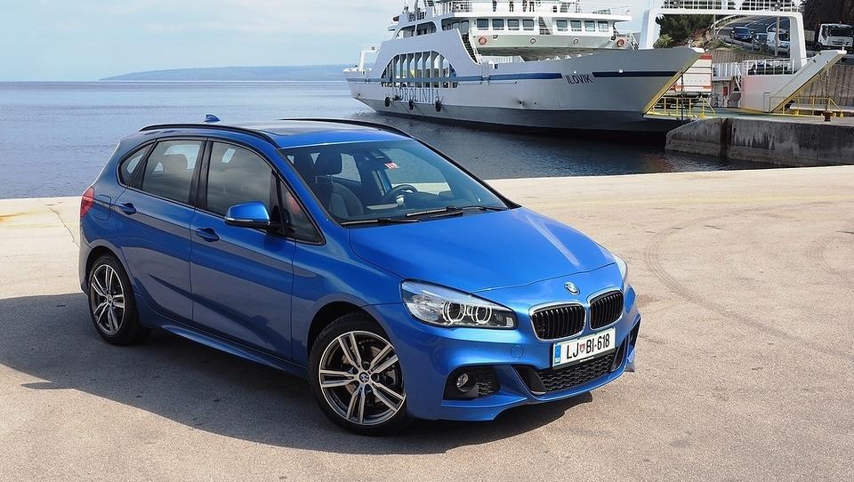 BMW v 11 mesecih prodal prek dva milijona vozil