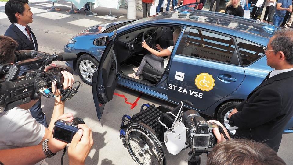 Toyota in URI Soča bosta skupaj razvijala robote za gibalno omejene