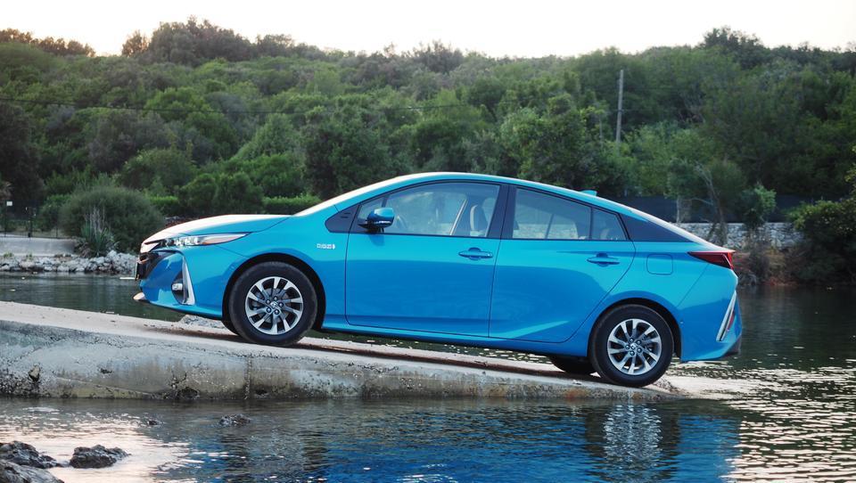 Takšen je EKO avto sedanjosti s porabo tri litre in ceno 30 tisočakov