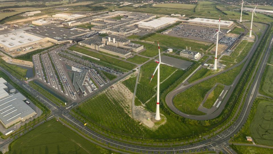 Na obisku svetišča električnih BMW
