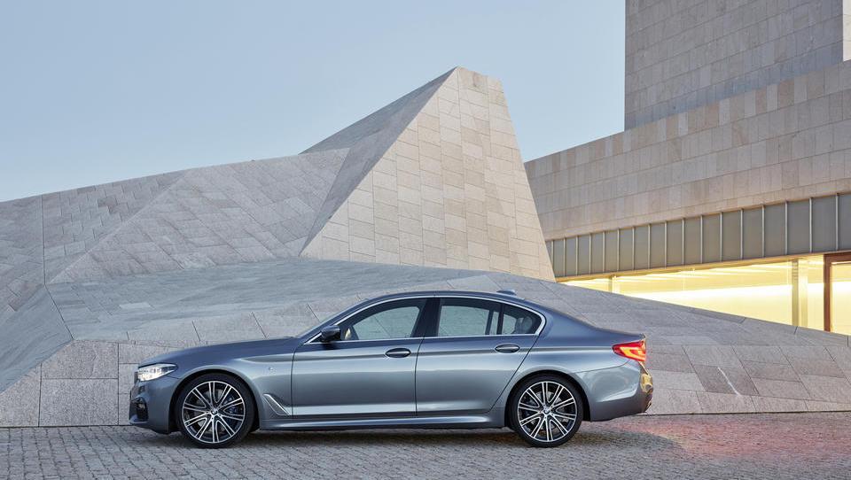 Novi BMW serije 5 Limuzina