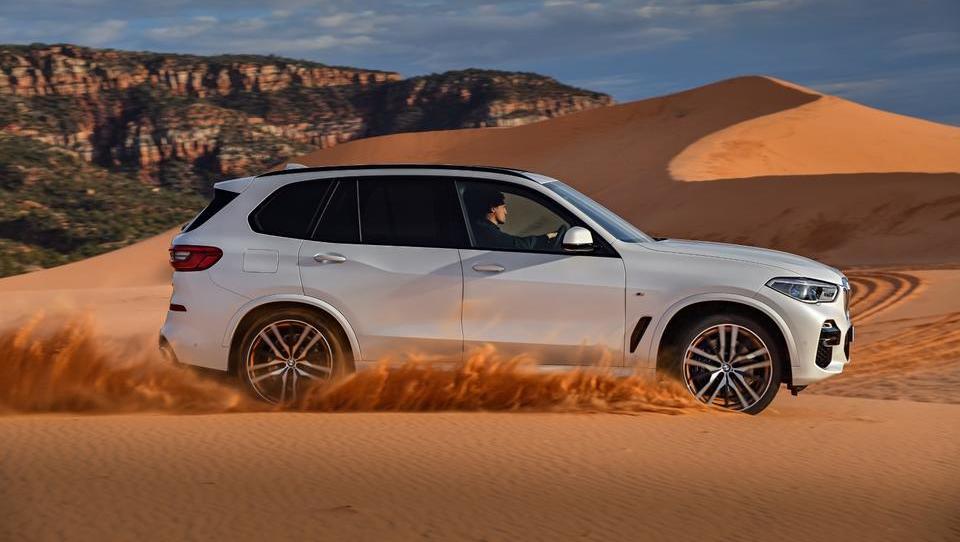 Novi BMW X5 v vlogi vsestranskega menedžerskega avtomobila