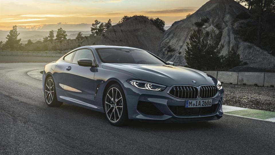 Vroč in luksuzni kupe, za katerega je BMW oživil legendarno ime