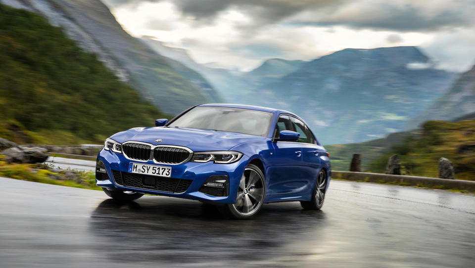 BMW z novo serijo 3 ogrel pariški avtosalon