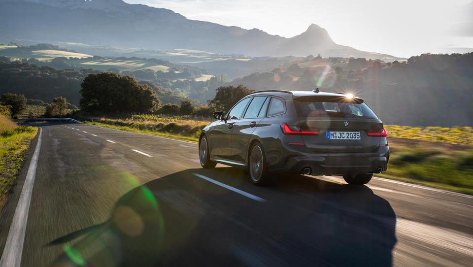 Karavanski BMW serije 3: v vožnji bo uživala tudi prtljaga